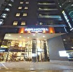 アパホテル<神田駅東>:外観(夜)